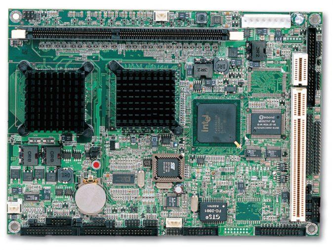 "PEB-3732VLA 5.25"" Embedded Controller with Embedded Intel ULV Celeron M 600 MHz Processor, FSB 400 MHz -0"